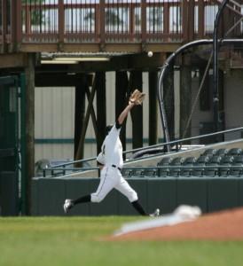 Dan Grovatt catching a fly ball in the first inning.