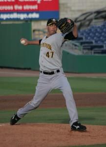 Jeff Karstens pitching